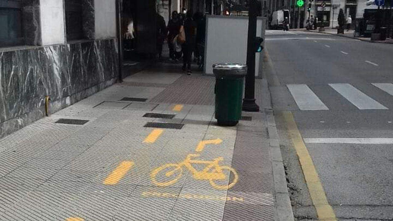 Así es el nuevo carril bici de Oviedo.Edgar González, en El Requexón