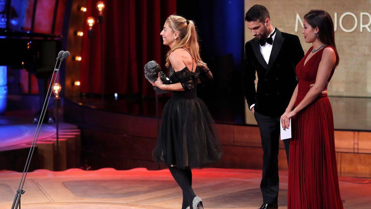 Saioa Lara recoge el premio al Mejor Diseño de Vestuario, por «Handía»