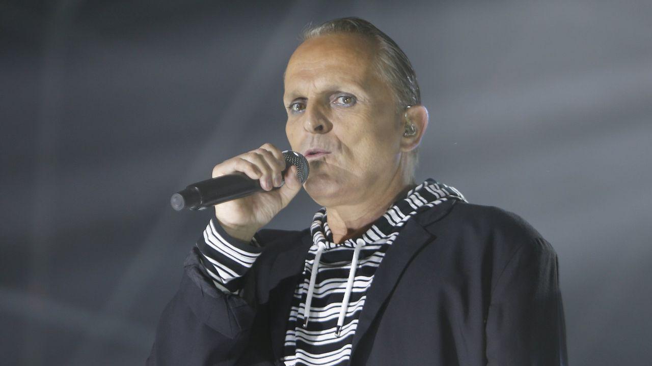 Fallece Lucía Bosé tras tres días ingresada por coronavirus.Miguel Bose, durante un concierto en Galicia este verano