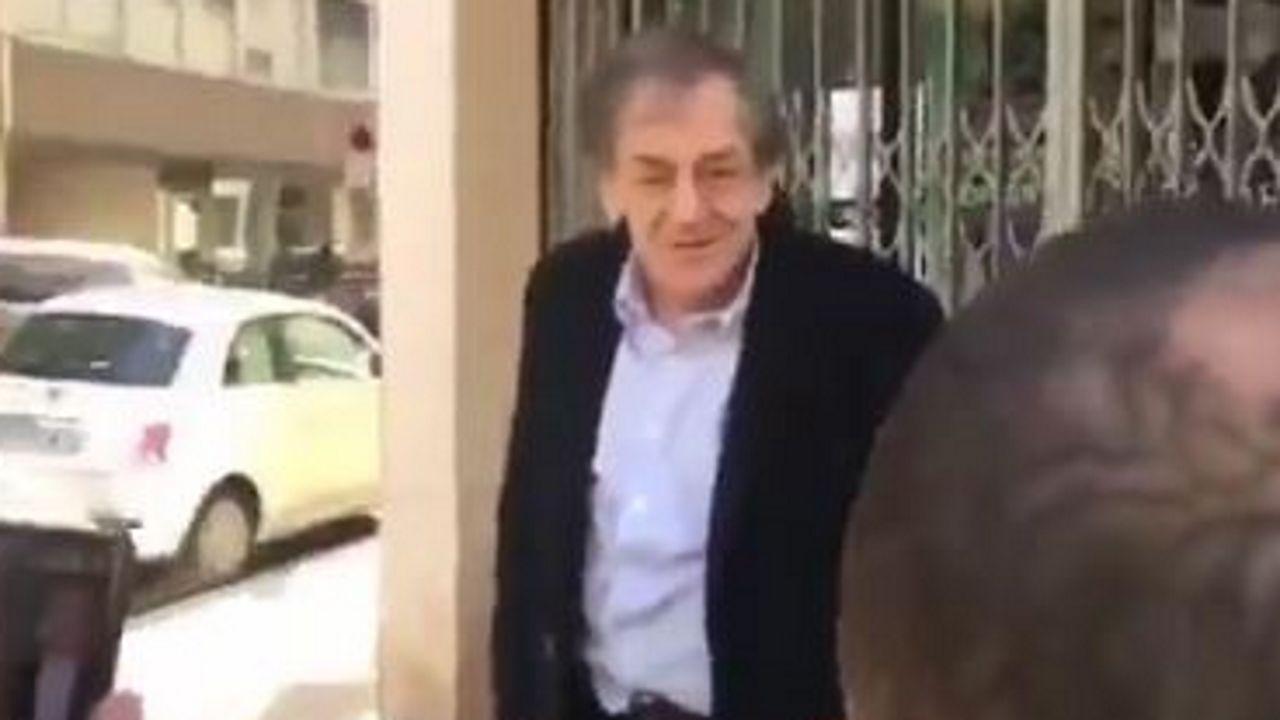 Un momento del incidente del que fue víctima el filósofo francés Alain Finkielkraut el pasado sábado en París