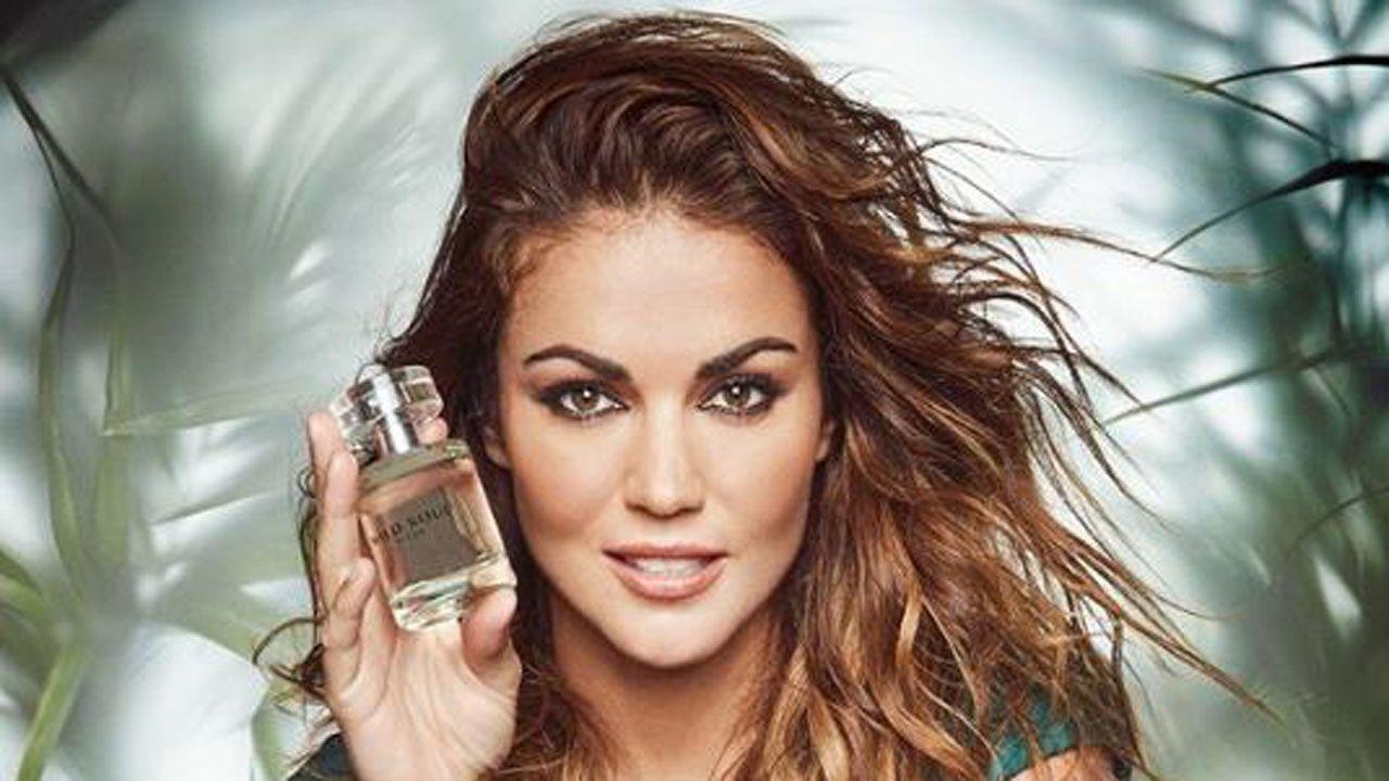 Lara Álvarez presenta su nuevo perfume