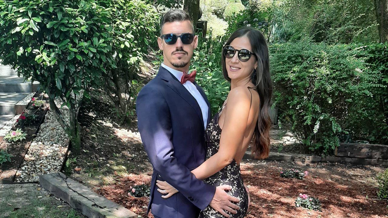Álex Carou e Irene Gómez tenían previsto casarse en el mes de septiembre y retrasaron el enlace un año