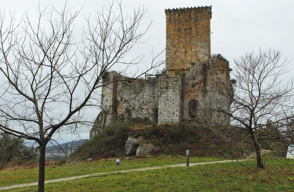 El castillo de Andrade abrirá sus puertas a las visitas hasta finales del mes de septiembre.