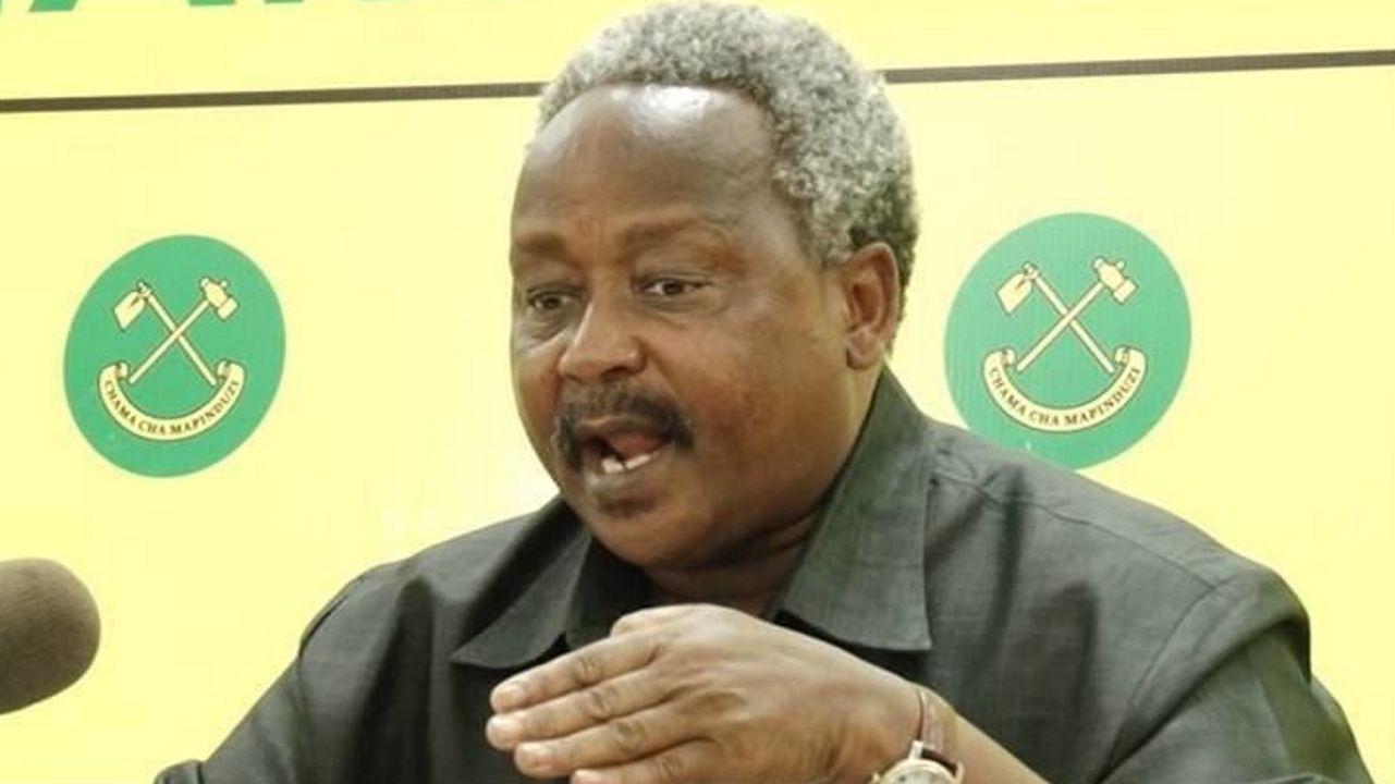 El gobernador de Njombe, Christopher Ole Sendeka, ordenó el arresto de todos los sanadores brujos de la zona