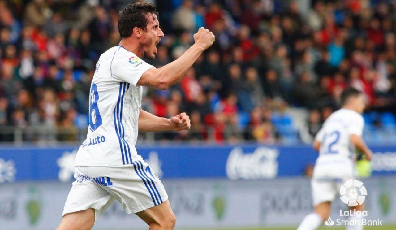 gol Christian Fernandez Huesca Real Oviedo El Alcoraz.Christian Fernández celebra el 2-1 frente al Huesca