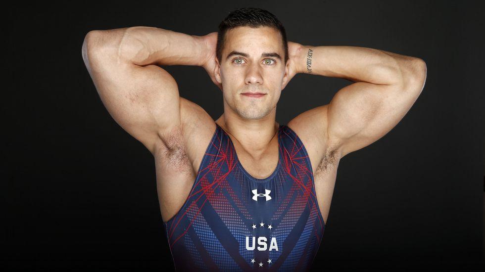 El gimnasta Jake Dalton presume de forma física