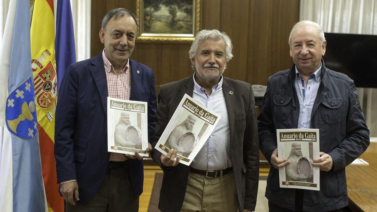 La primera gaiteira iraní escoge Ourense para formarse y crear una escuela en su país.La Real Banda ya le había dedicado una muiñeira a Juan Pablo II