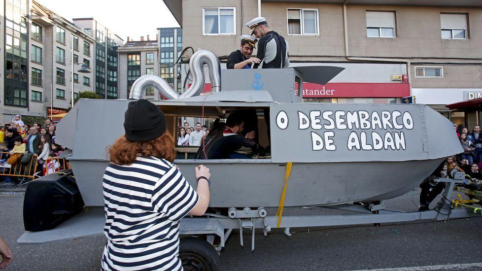¿Estuviste en el desfile de carnaval de Pontevedra? !Búscateen alguna de nuestras 211 fotografías!