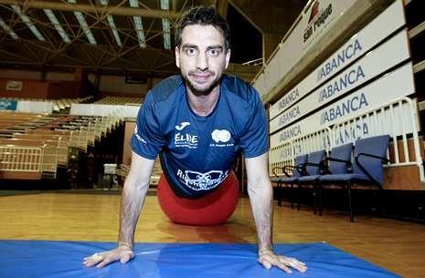 Sergio Sánchez, antes de iniciar el entrenamiento de ayer en el Pazo.