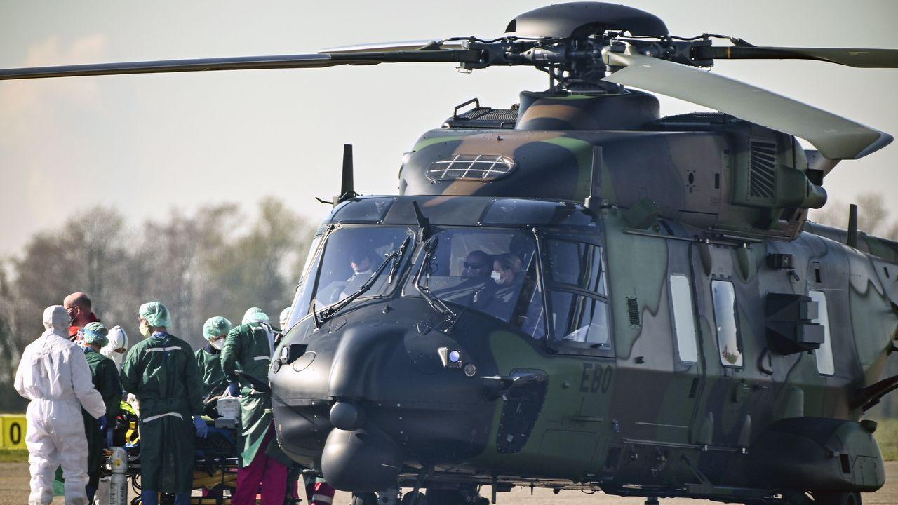 Un helicóptero alemán traslada a pacientes franceses con coronavirus.