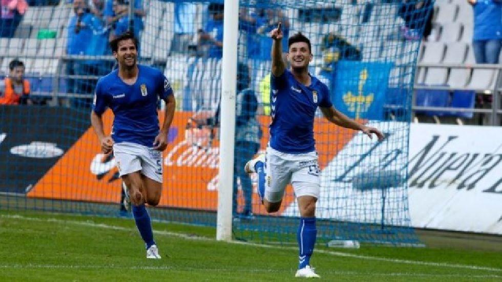 Borja Valle celebra un gol en su etapa como jugador azul