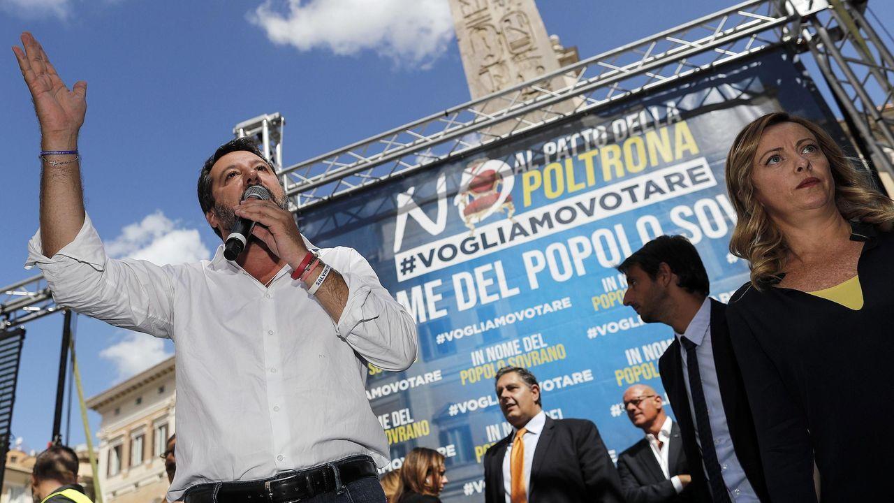 Matteo Salvini y la presidenta de Hermanos de Italia, Giorgia Meloni se dieron un baño de masas frente al Parlamento
