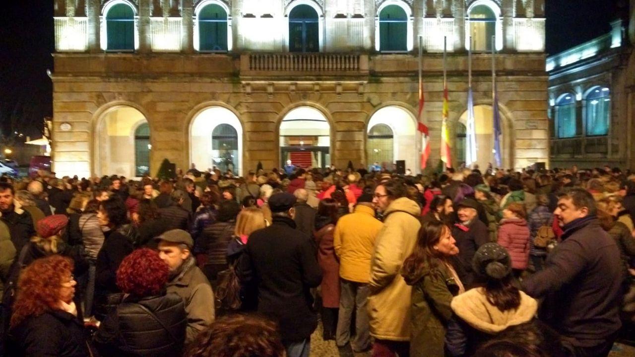 Concentración en Gijónde repulsa por el asesinato machista de Lorena Dacuña