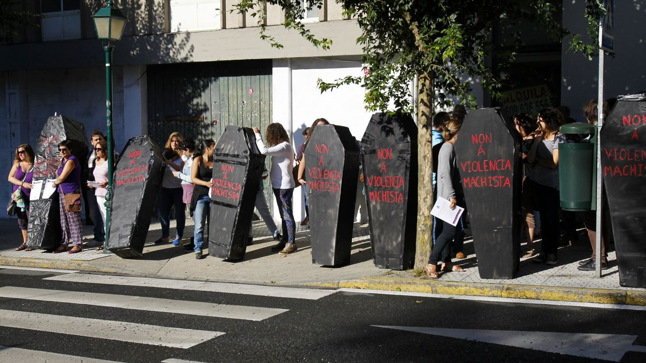 Imagen de archivo de una protesta contra la violencia machista ante el Parlamento de Galicia