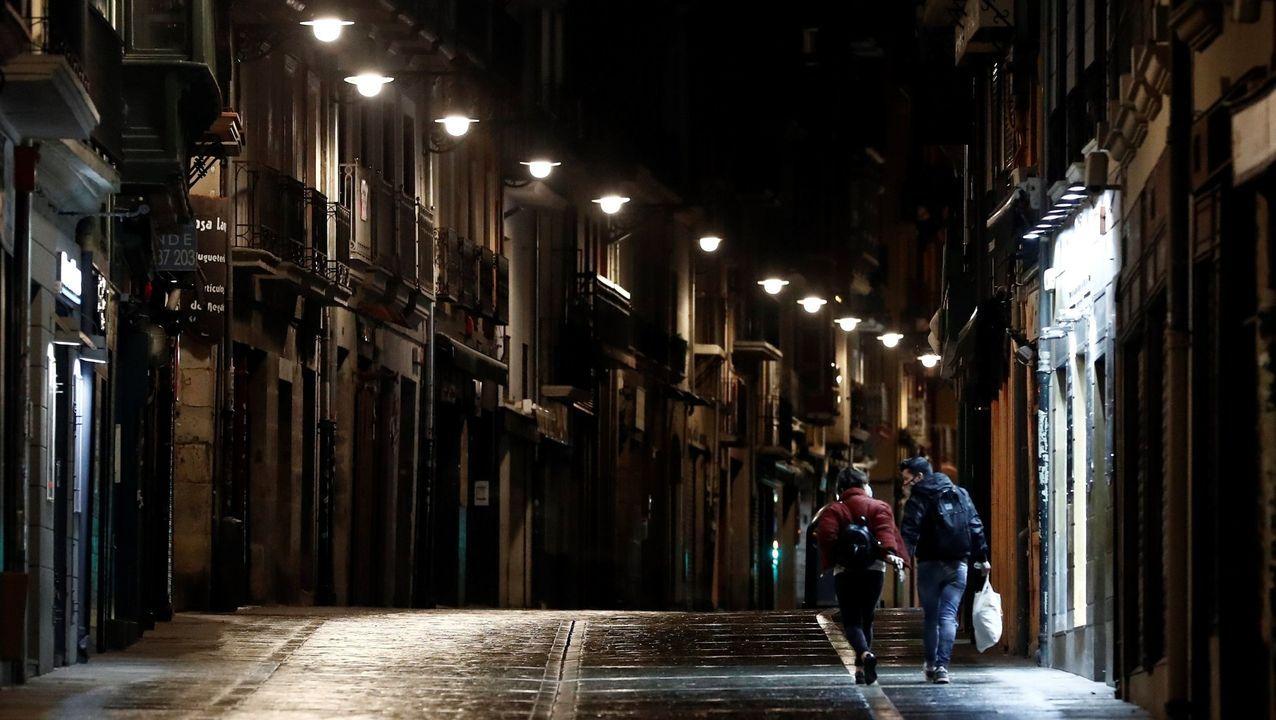 Calle vacía en el centro de Pamplona