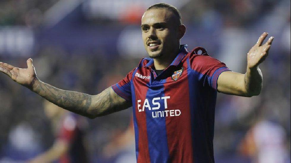 Roger celebra su gol frente al Lugo