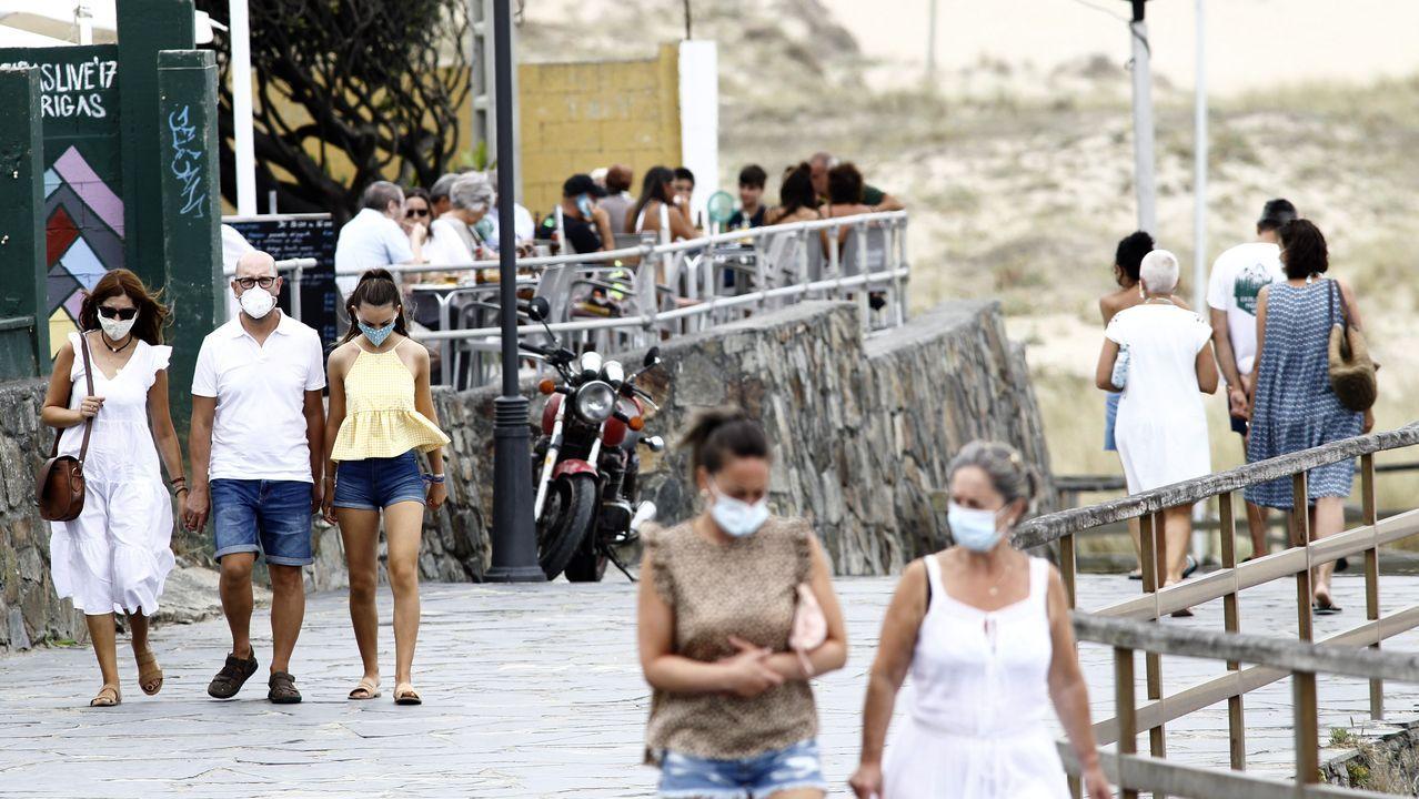 Paseo de la playa de A Frouxeira, en Valdoviño, municipio que recibe muchos turistas todos los veranos