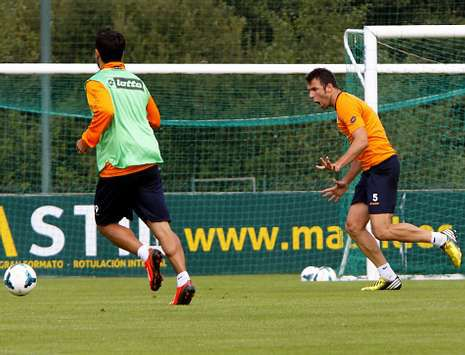 Marchena, que debutó el pasado domingo, sufre molestias en la pierna derecha.