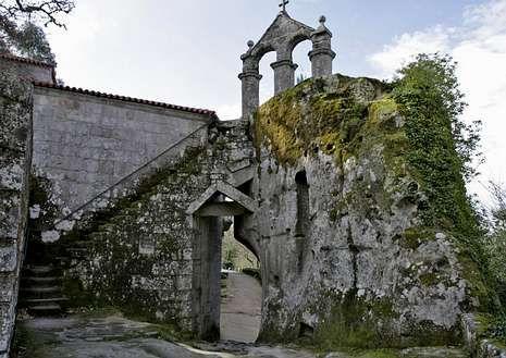 Imagen del monasterio San Pedro de Rocas.