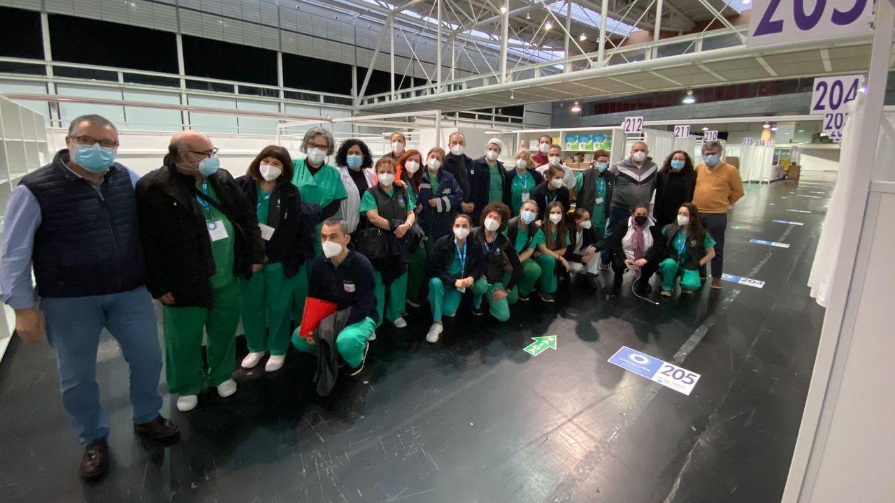 La visita de la reina Sofía al Banco de Alimentos.Equipo de vacunación contra el covid-19 de A Coruña en Expocoruña