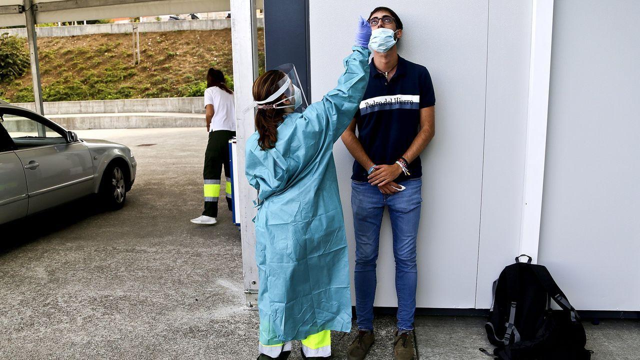 Imagen de archivo de una PCR en el Hospital Álvaro Cunqueiro de Vigo