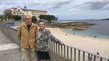 Melquíades Álvarez, decano de los Procuradores de España, y su mujer, Ángeles Longueira, se quedaron atrapados en A Coruña por el estado de alarma, se enamoraron de la ciudad y decidieron quedarse a vivir.