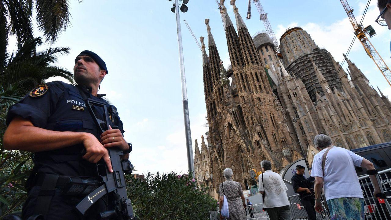 Desalojada la Sagrada Familia de Barcelona por una operación antiterrorista de los Mossos