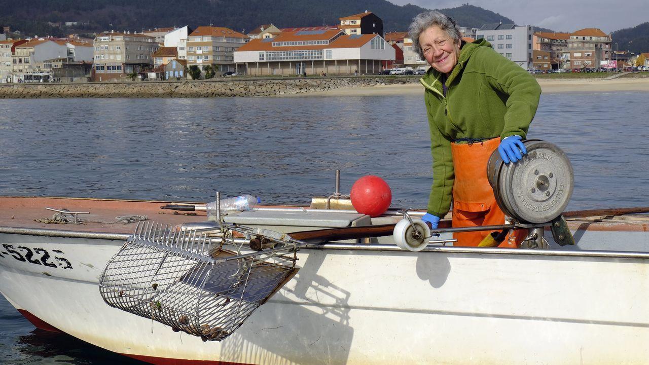 La versión con la que la viguesa Aroa Ferreiro impresionó al grupo Izal.Pedro Pagán, tercero de una saga de relojeros, trabaja en su taller, donde ya no tiene empleados