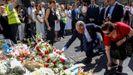 Ofrenda floral durante el acto celebrado por la Asociación Catalana de Víctimas de Organizaciones Terroristas (ACVOT) en el 2019, con motivo del segundo aniversario de los atentados de Barcelona y Cambrils (Tarragona)
