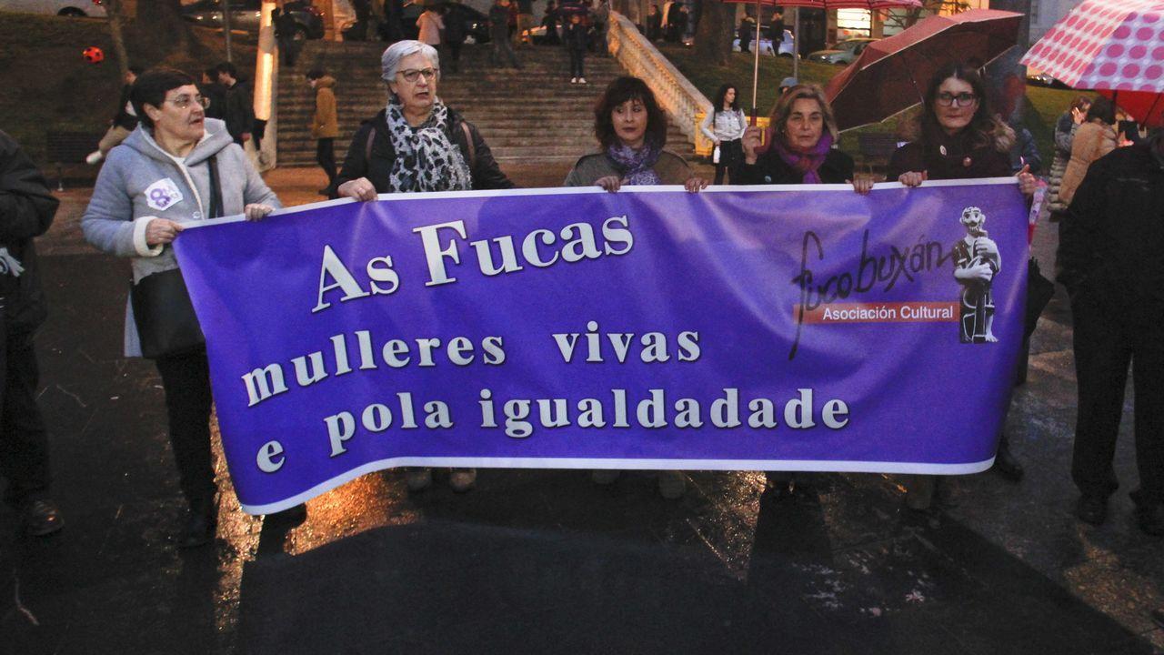 Los participantes en la concentración de Ferrol