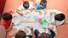 Alumnos en un comedor escolar de Lugo