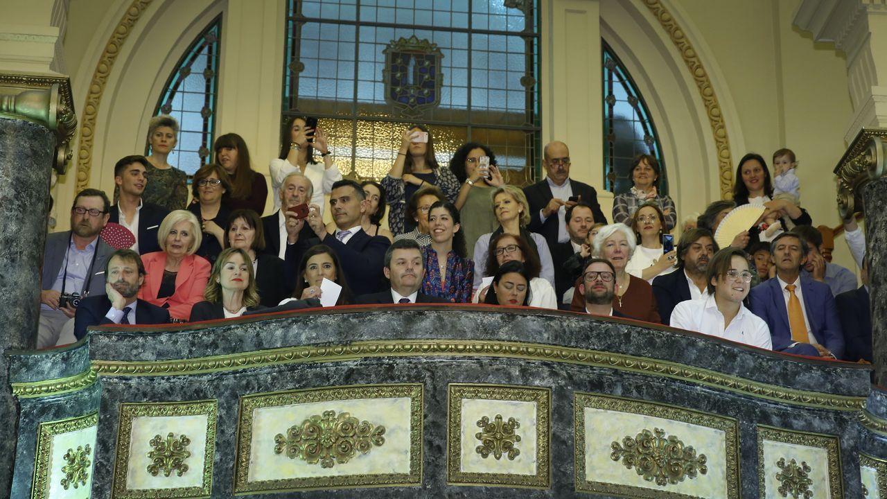 La sesión de investidura, en fotos.El rector presentó la oferta junto a la vicerrectora Nancy Vázquez