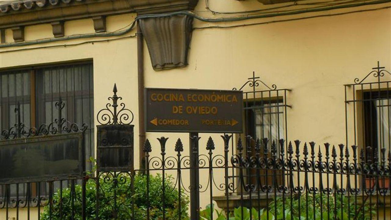 Fachada del edificio de la Cocina Económica de Oviedo