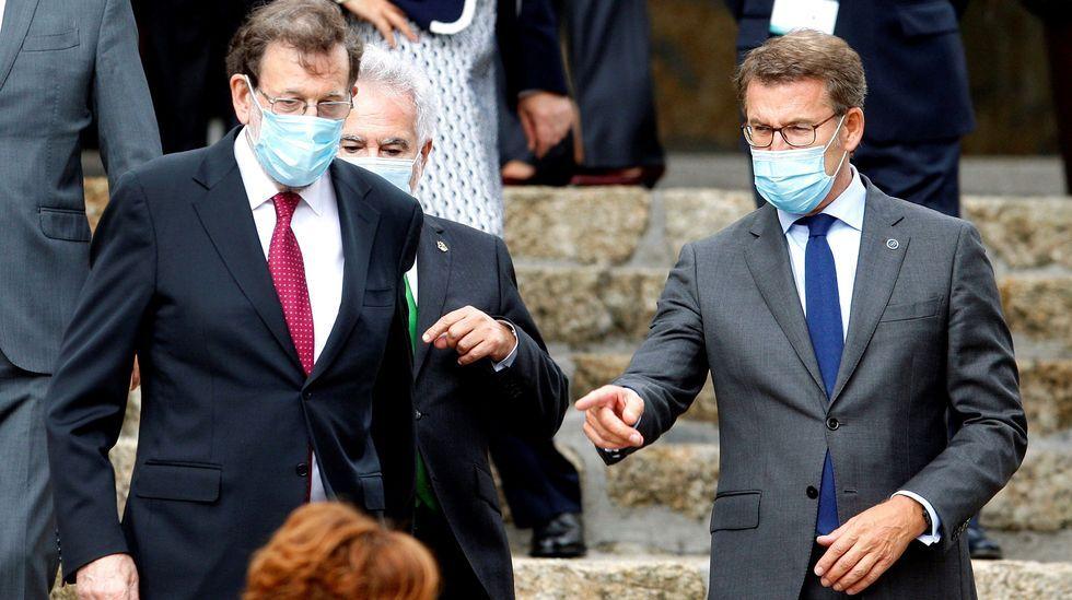 Mariano Rajoy junto a Núñez Feijoo, tras la foto de familia del Foro La Toja Vínculo Atlántico