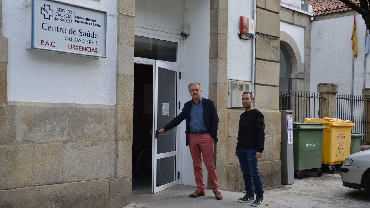 Entrada de urgencias del centro de salud de A Parda, donde ejerce el médico en cuarentena