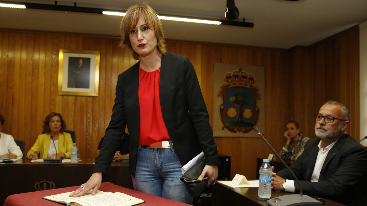 ¿Quién es quién en el gobierno de Alternativa dos Veciños?.La alcaldesa de Narón, una de las que se subió el sueldo, durante su toma de posesión