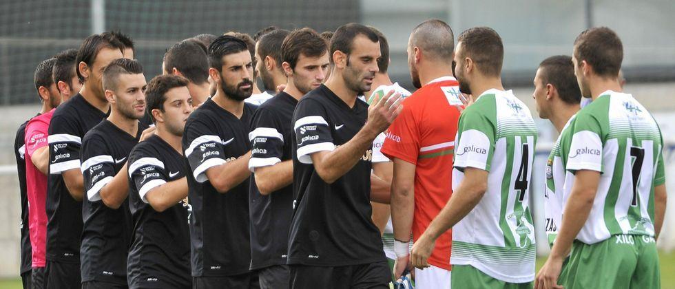 El partido de ida, disputado en el campo alcalde Manuel Candocia, fue muy intenso aunque acabó con empate a cero.