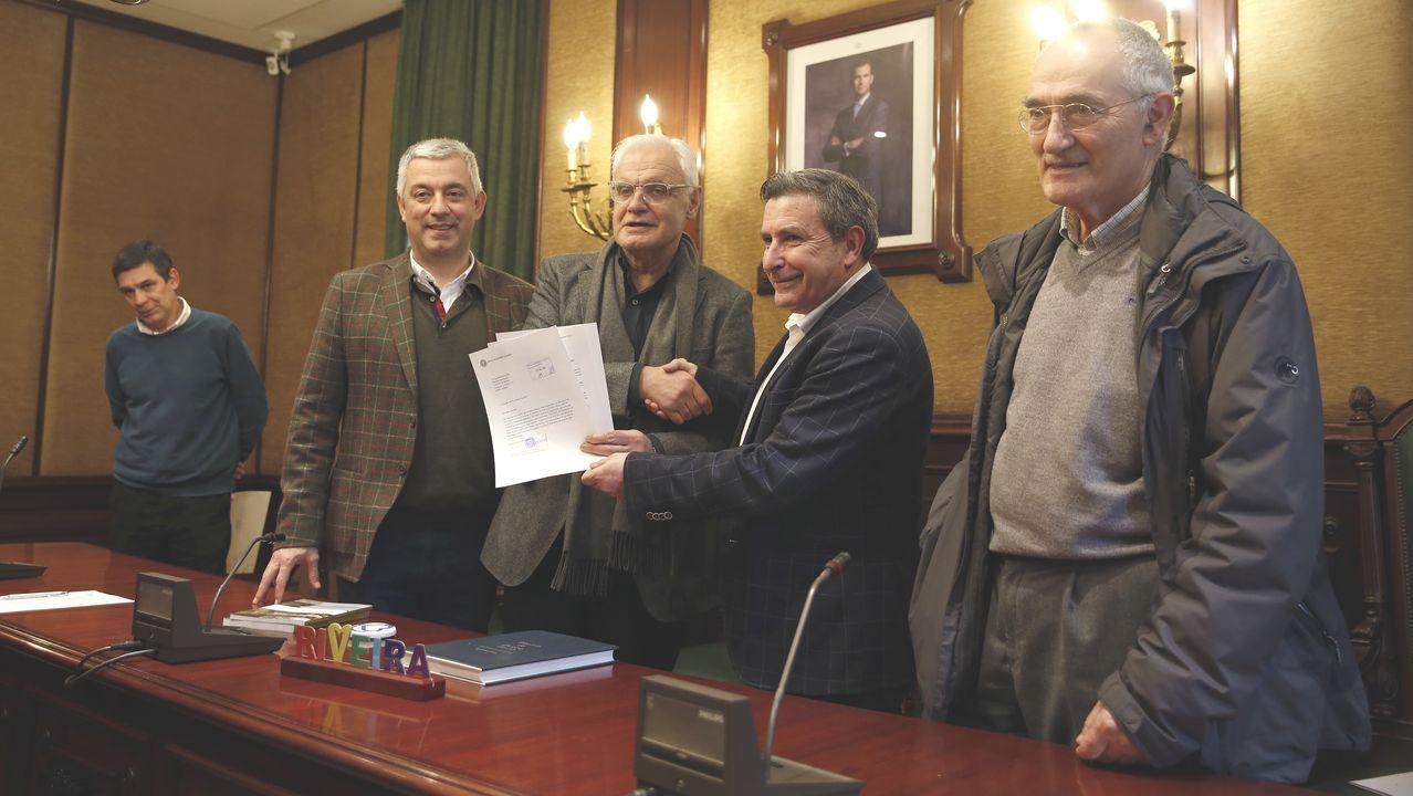 De izquierda a derecha, José Antonio Otero, Valentín García, Víctor Fernández Freixanes, Manuel Ruiz y Antón Santamarina