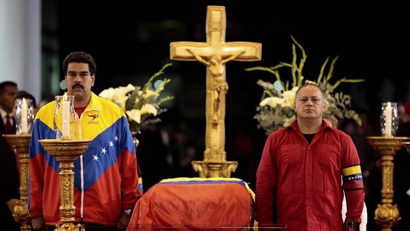Maduro y Diosdado Cabello, en los actos fúnebres