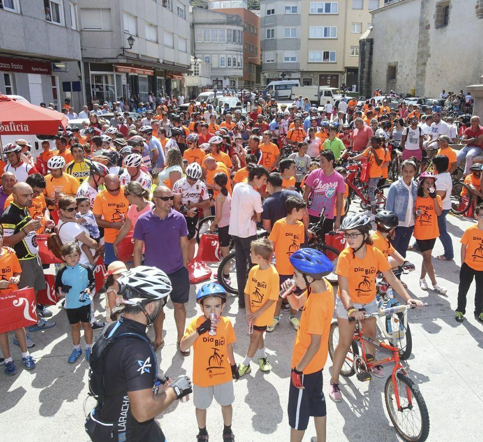 Imagen del multitudinario Día da Bicicleta del 2014 .
