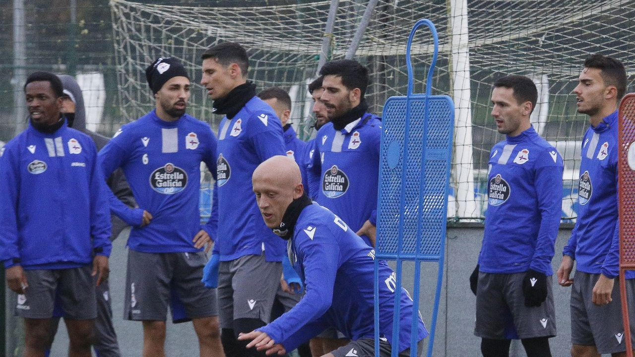 Así ha sido la vuelta al trabajo del Deportivo.Koné, Vicente Gómez, Mollejo, Jovanovic y Luis Ruiz, entre otros, en un entrenamiento