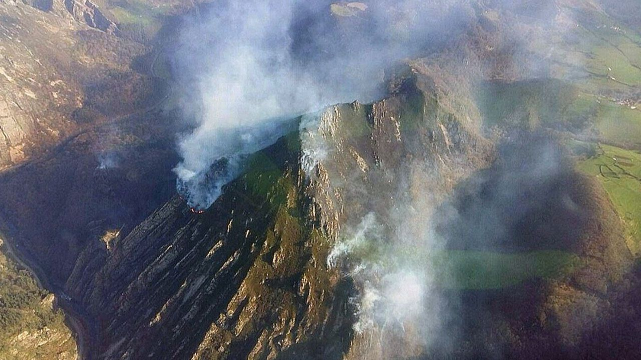 Incendio en Salas
