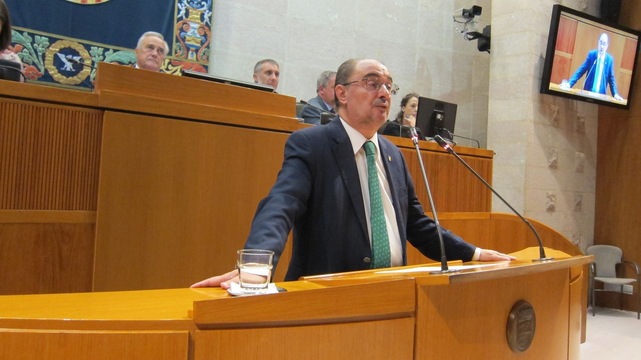 Javier Lambán promete su cargo como presidente de Aragón.El diputado y portavoz adjunto de Ciudadanos en el Congreso de los Diputados, Edmundo Bal