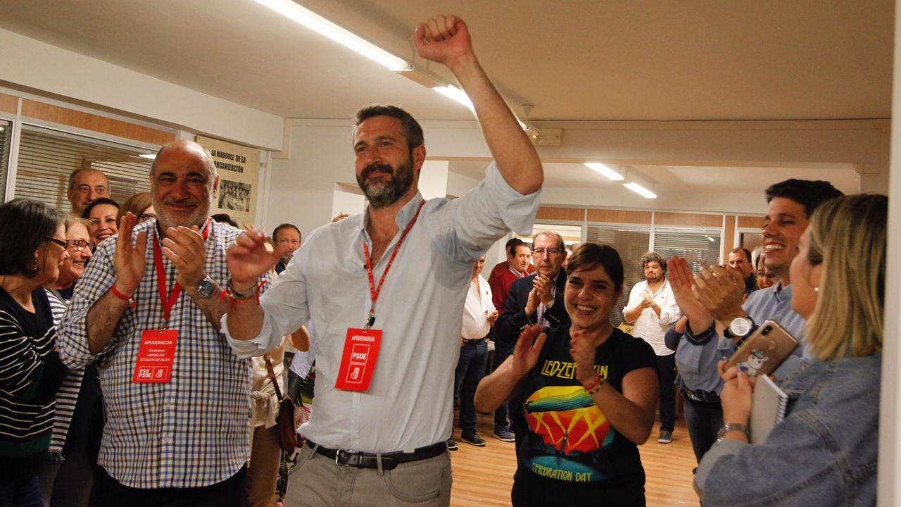 Alberto Varela celebra la mayoría absoluta del PSOE en Vilagarcía