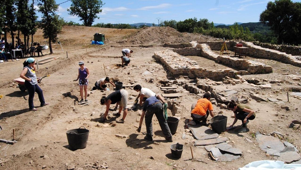 En verano se llevó a cabo una nueva campaña de excavaciones arqueológicas en el castro de Cereixa, en A Pobra do Brollón