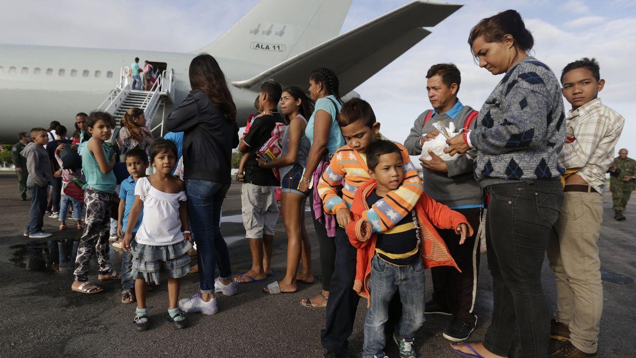 Escotet: «La decisión de intervenir Banesco es política, no se corresponde con los hechos, es desproporcionada».Venezolanos tras llegar al aeropuerto de Boa Vista, en Brasil, intentando dejar atrás la crisis