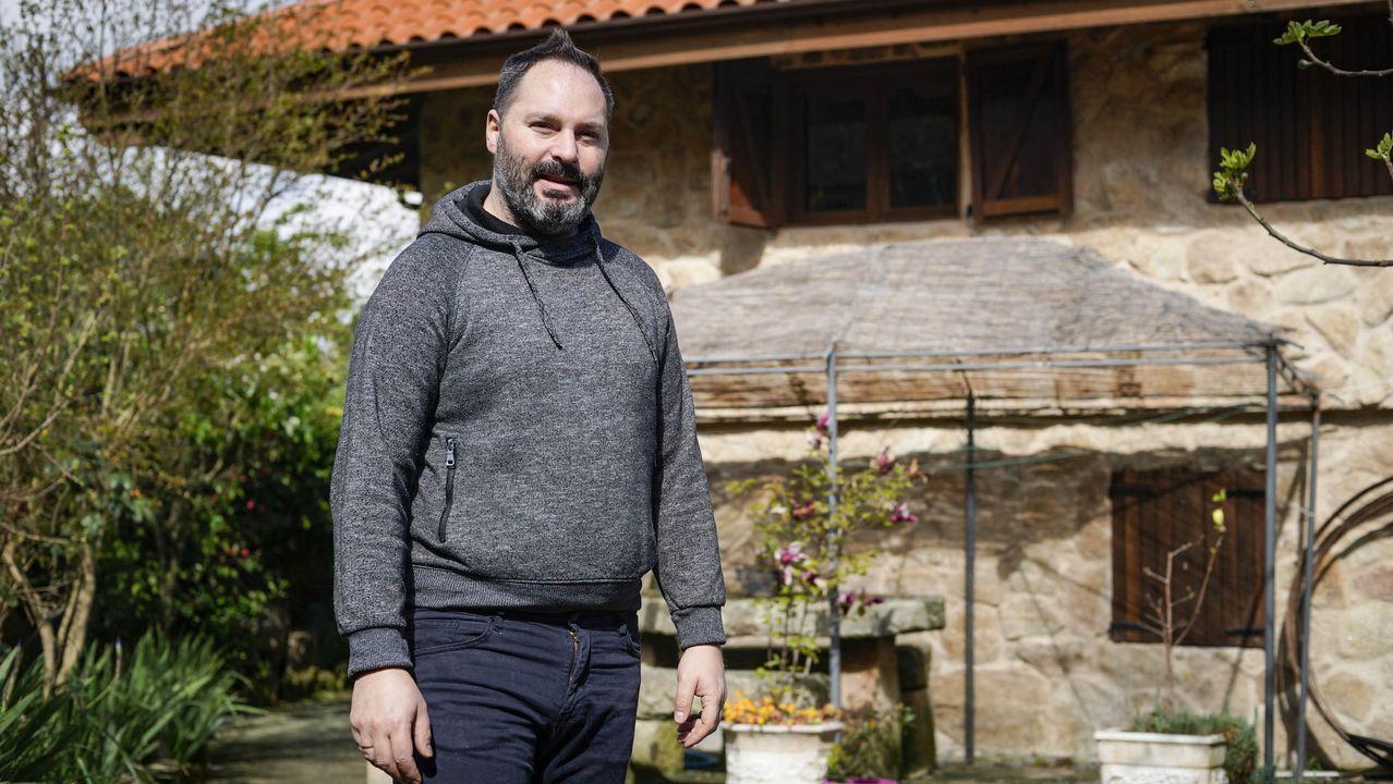 José es el propietario de la casa rural.