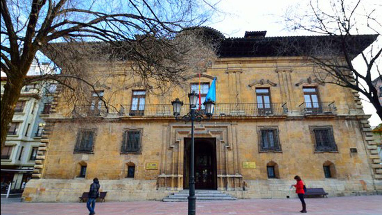 Palacio de Camposagrado, construido por Bernaldo de Quirós en el s. XVIII y actualmente sede del TSJA