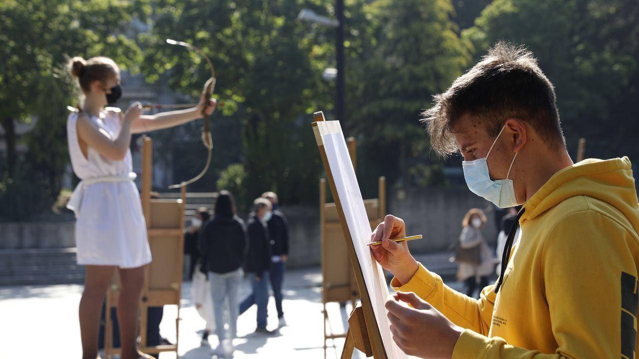 Un proceso artístico al aire libre para conmemorar el Día Mundial del Arte.El centro mejoró sus instalaciones recientemente