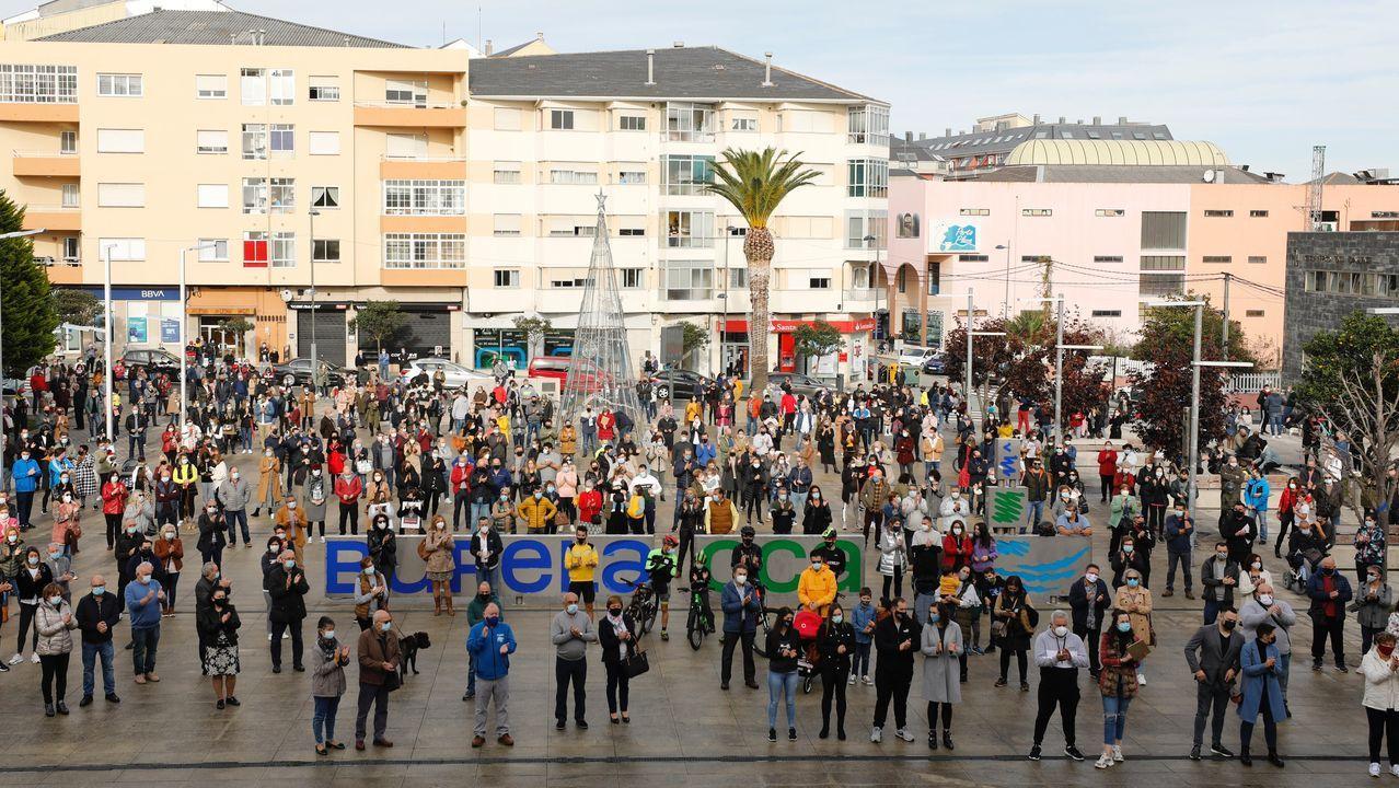 Concentración de protesta en Burela porquecontinúa el cierre perimetral por positivos en coronavirus